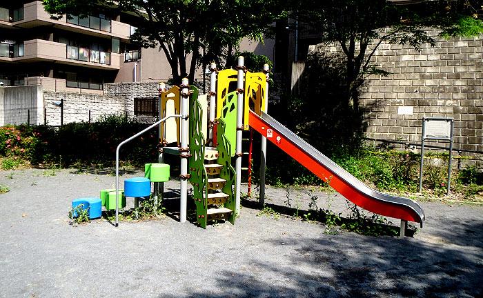 片平2丁目北公園