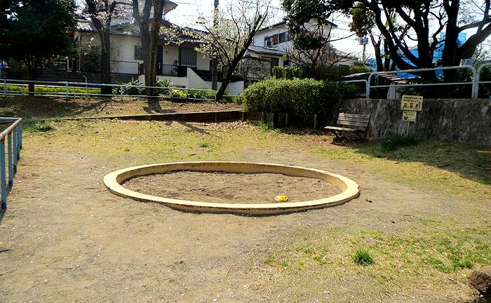 鶴川月の子児童公園